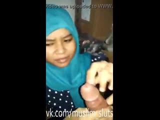 Indonesian Muslim Hijabi Slut Forced Reluctant Blowjob Sucking ( Muslimah Arab Palestine Iran Iraqi Desi Indian Pakistani Sexy )