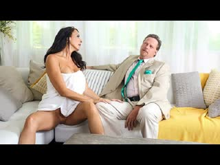 MYLF - Horny House Hunter / Reagan Foxx