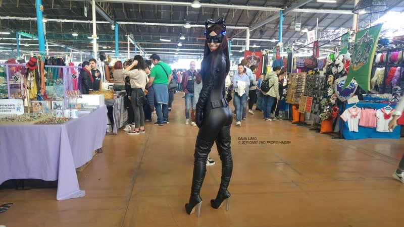 DANA LABO - Anne Hathaway catwoman replica costume catsuit, boots and led mask. Comics and cosplay