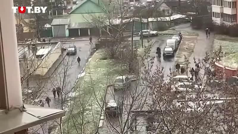 В районе ст метро Могилевская протестующие вдарились в бега😄