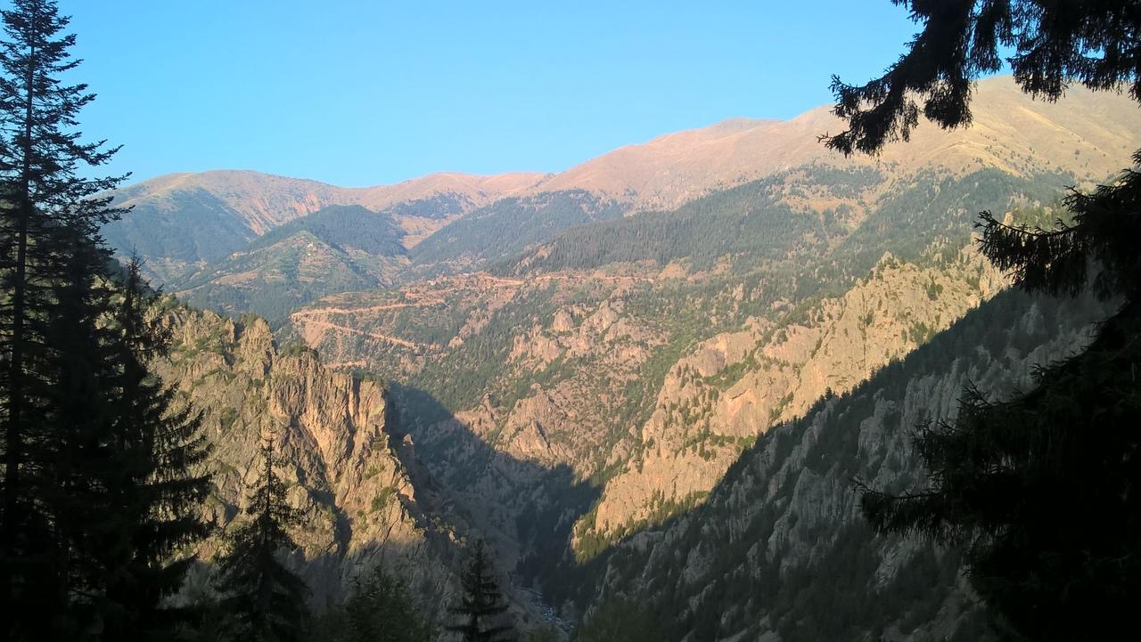 ущелье-дорога из Юсуфели в Яйлалар
