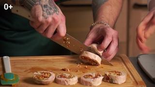Рецепт: рулет из кролика с морковным пюре и орехововым соусом