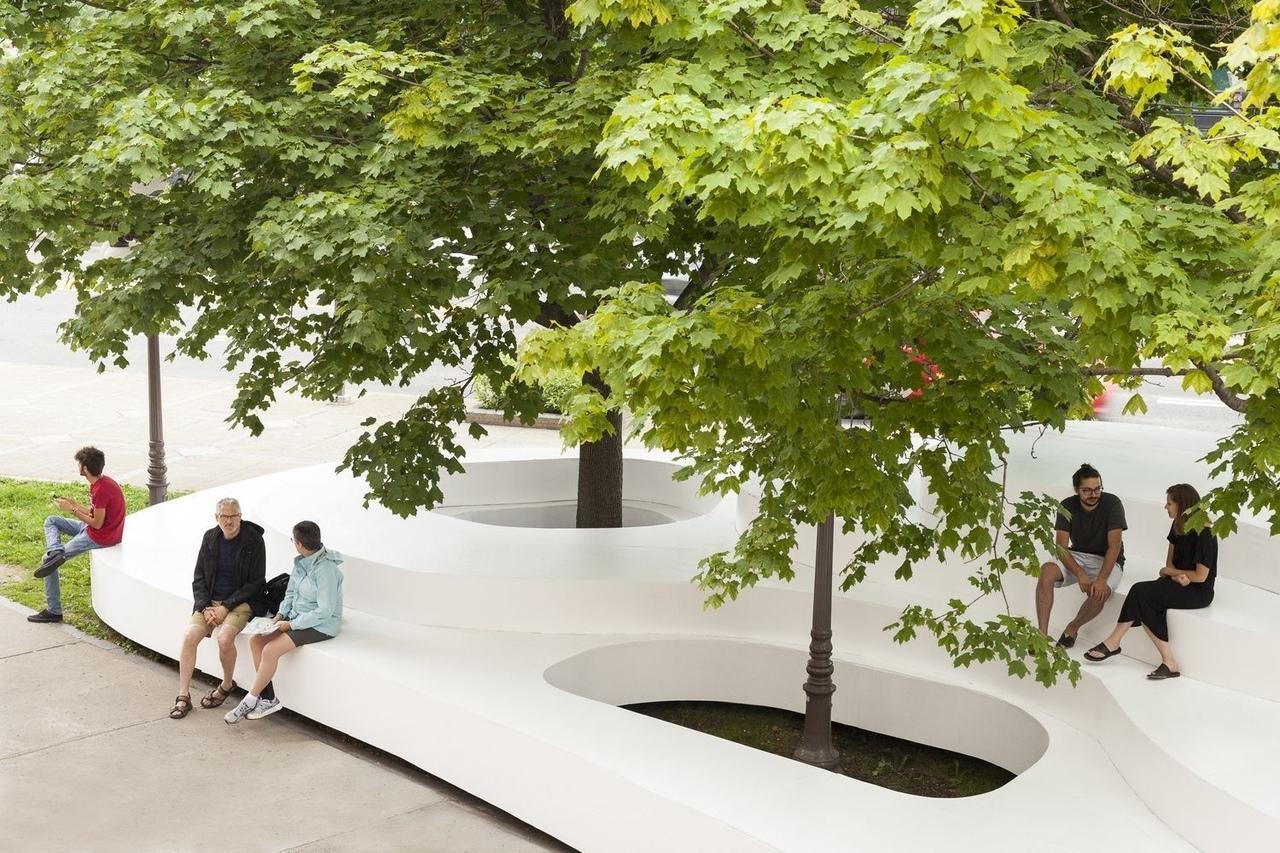 Le Banc de Neige by Atelier Pierre Thibault