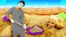Видео про куклы и песок. Барби и Кен должны отремонтировать качели для куклы Штеффи! Игры в песке!