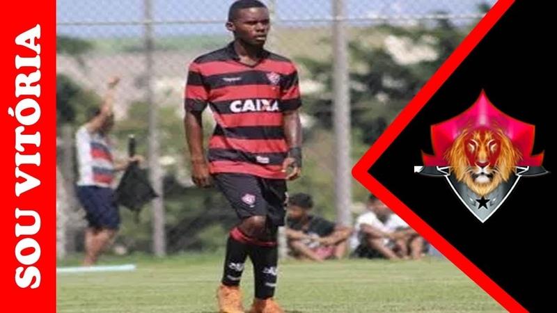 O lateral-esquerdo Eduardo, do time sub-17, é alvo de cobiça do Palmeiras