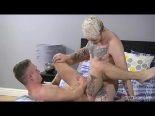 BlakeMason – Oliver Gets His First On-Screen Fuck – Ronnie Stone, Oliver Wesley