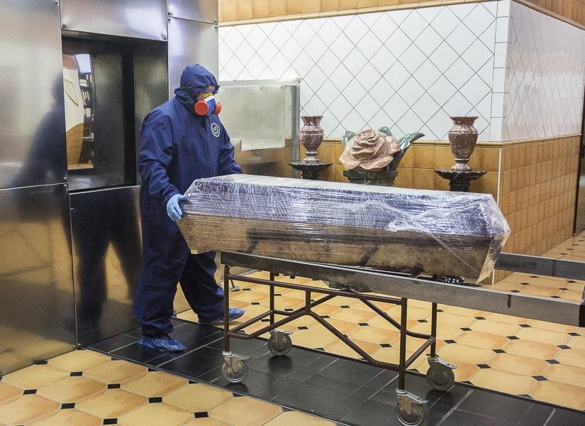 фото Чрезвычайные меры предосторожности: как происходит кремирование тел заражённых коронавирусом – эксклюзив Сиб.фм 6