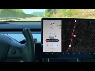 Баг Tesla и Burger King