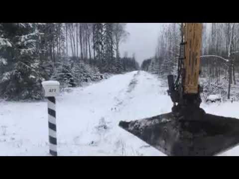 Латвиец на экскаваторе отобрал землю у Эстонии