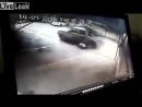 Liveleakcom Guy Taken Out By Vehicle РУССКИЙ Гай снятый автомобилем Понял его