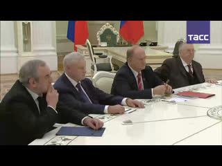 Встреча Владимира Путина с лидерами фракций Госдумы