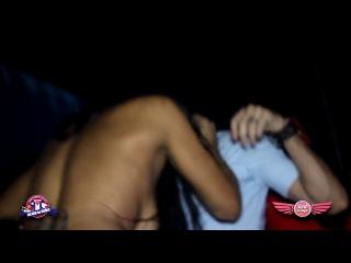 Шок!!!! что творит пьяная девушка в клубе!!! смотреть всем!!!