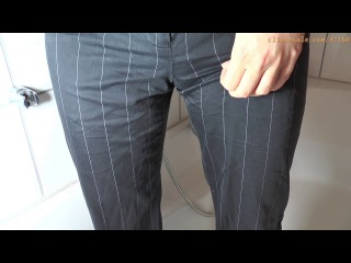 Sinna wets her bussines pants (full piss group)