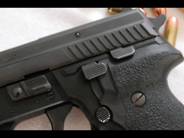 Пистолет SIG Sauer P229