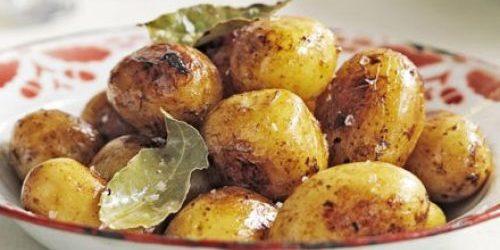 Как приготовить молодую картошку в духовке и на плите: 10 аппетитных блюд, изображение №4