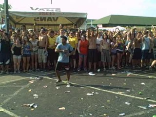 Bring Me The Horizon - Wall Of Death (Warped Tour Indianapolis Indiana 7-6-10) Pray For Plagues