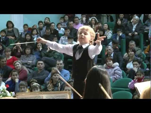 Edward Yudenich (8 years old) conducts Liszt Les Preludes