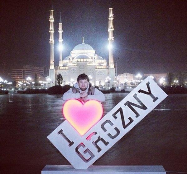Фото с чеченскими надписями