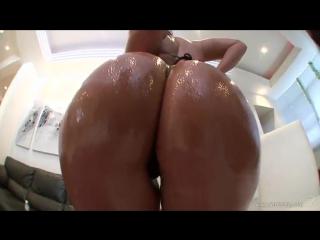 Porno Star  Monica Santhiago обалденная латинская попка вся в масле, черные стринги, загорелая девушка, best anal, hot sex, ddf
