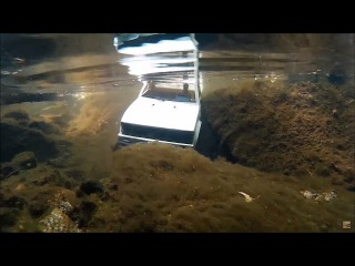 RCFRENZY Epic RC Underwater Moments! Waterproof Axial SCX10 4x4 RC Truck