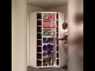 Вращающийся шкаф для обуви.