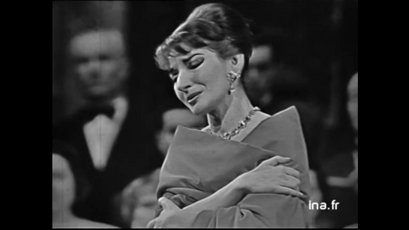 Maria Callas ♫ Casta diva ♪ 19 12 1958 Sur la scène de l'Opéra de Paris lors d'un concert retransmis en Eurovision