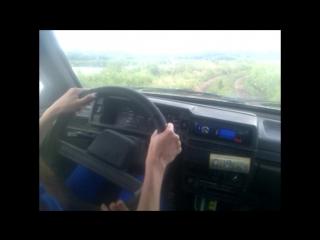 Катя учит Настю ездить на машине) #бабы