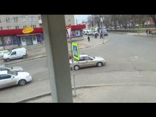 В туле женщина бросила свое авто посреди проезжей части