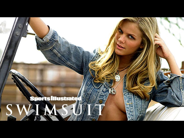 Brooklyn Decker Strips Down Goes For A Wild Ride In Arizona Sports Illustrated Swimsuit