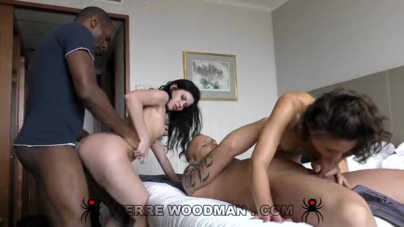 На кастинге у Вудмана Woodman Casting Suzy Rainbow and Cassie Fire Hard Our first IR and DP