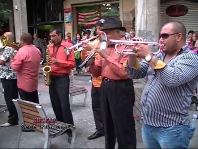 FANFARA SHUKAR Zece Prajini Amorebieta Haizetara 2012 Euskadi Spania Rusos Lipovenos Dj Rommy