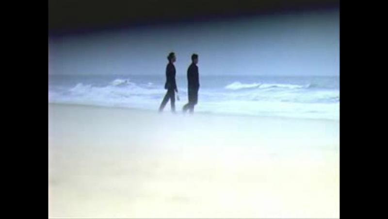смерть на берегу моря