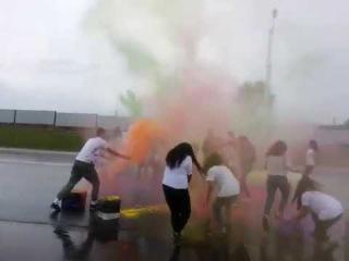Фестиваль красок холи в Костанае 12 августа