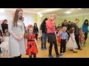 Танец - игра с мамами Утренник 8 Марта в детском саду