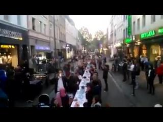 Hunderte feiern Ramadan in Kln - Kln ist bald verloren der Rest wird folgen  !!