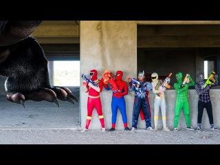 Superheroes war Spiderman vs Power Rangers Nerf guns Bad Ghost Attacks Nerf war Action movie