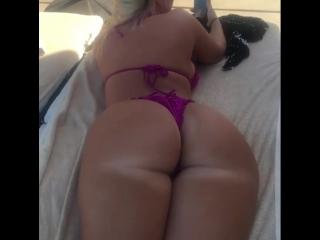 Jenna shea большая загорелая сочная жопа в бикини