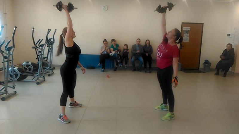 Силовой подъем дамбл Аня 9 5 кг и Маша 10 5 кг