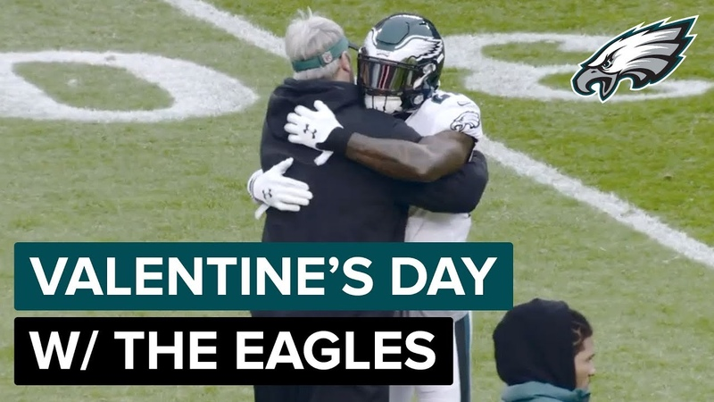 Celebrate Valentine's Day w/ the Philadelphia Eagles!💚