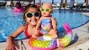 Маша и Беби Бон Эмили на пляже. Играем в куклы