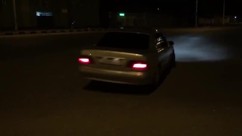 Mercedes W210 E430 V8 Drift Oo= = oO