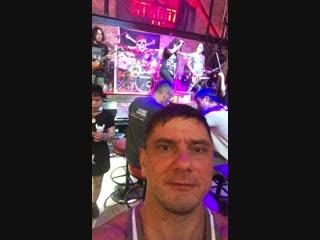 Pattaya rock bar