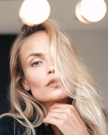 "Natasha Poly on Instagram ""How Do I Look ❤️😜💖 NPolyMakeUp Ready, Steady, Make Up 👊🏻💄NoMakeUpMakeUp DayLook 🎥 @jesajahizkia @iamconstantin"""