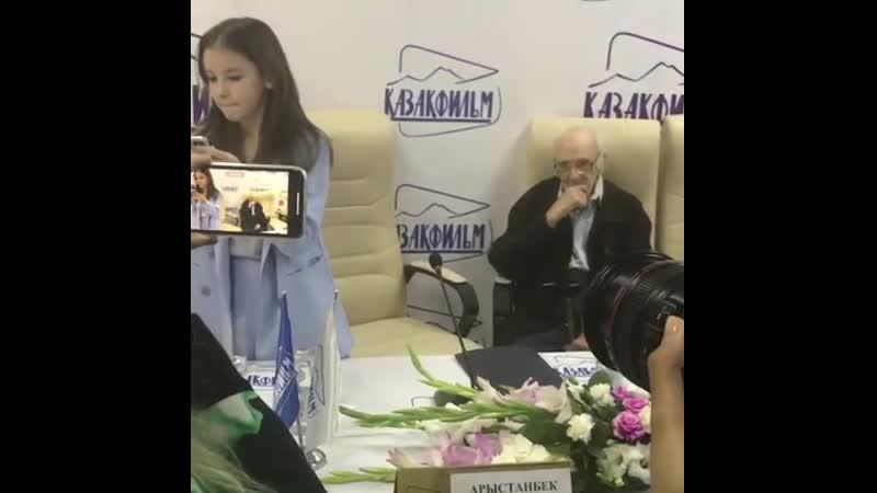 Tuleshova daneliya Казахфильме прошла пресс конференция съемкам фильма Наш милый доктор 2 24 05 2019