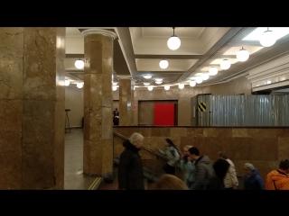 Violín concierto en el metro de komsomolskaya