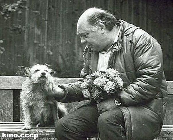 Очень трогательное фото с прекрасным человеком - Евгением Леоновым  Какой ваш самый любимый фильм с этим замечательным актером