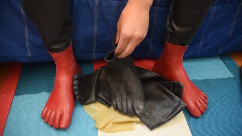 Five layers of Latex Toe Socks