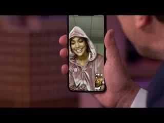 17 июля 2019 г. | Джимми Фэллон позвонил Дженнифер по FaceTime для премьеры трейлера к фильму Hustlers