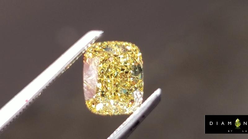 Canary VVS2 Cushion Diamond R8724