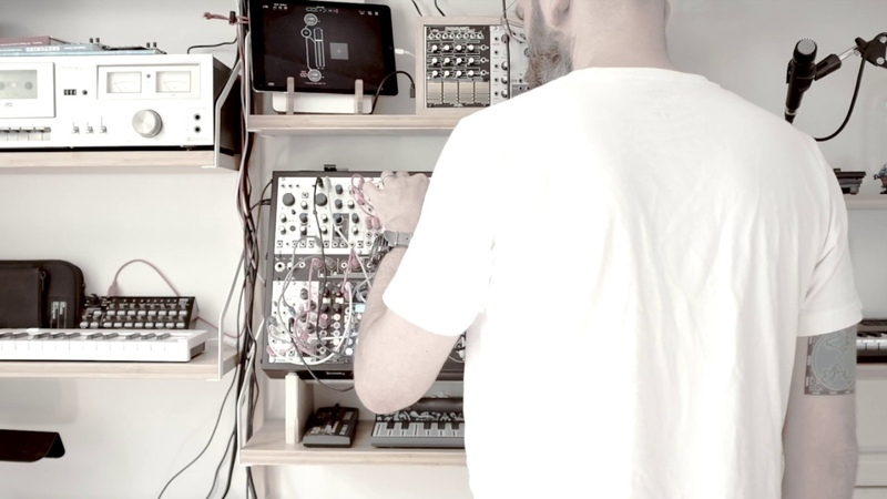 Habits intellijel Plog used to gate and transpose a simple 4 note sequence